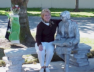 Linda Ruehle with Commemorative Statue